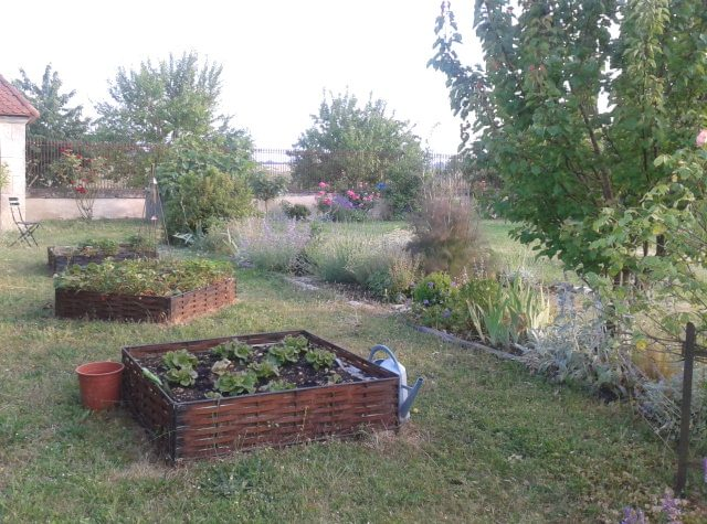 Carr potager en m tal potager d co am nagement for Amenagement jardin carre